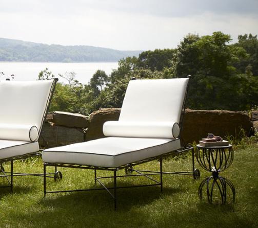 amalfi-glass-top-hourglass-side-table-lounge-chairs