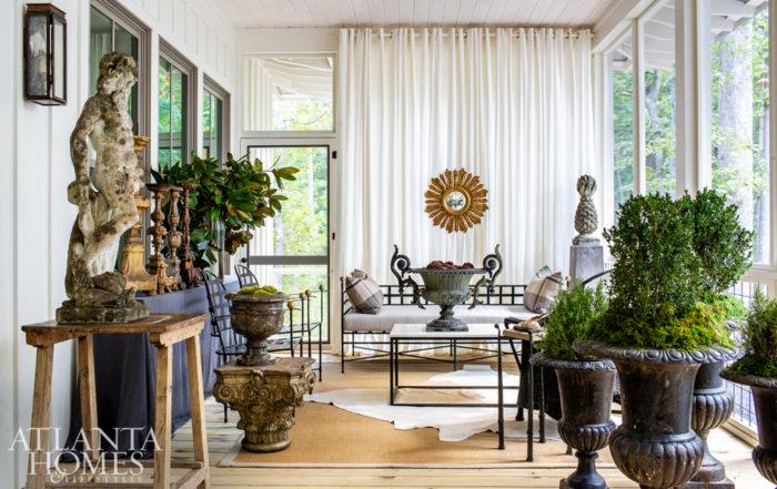 amalfi-tuxedo-sofa-black-white-patio-furniture